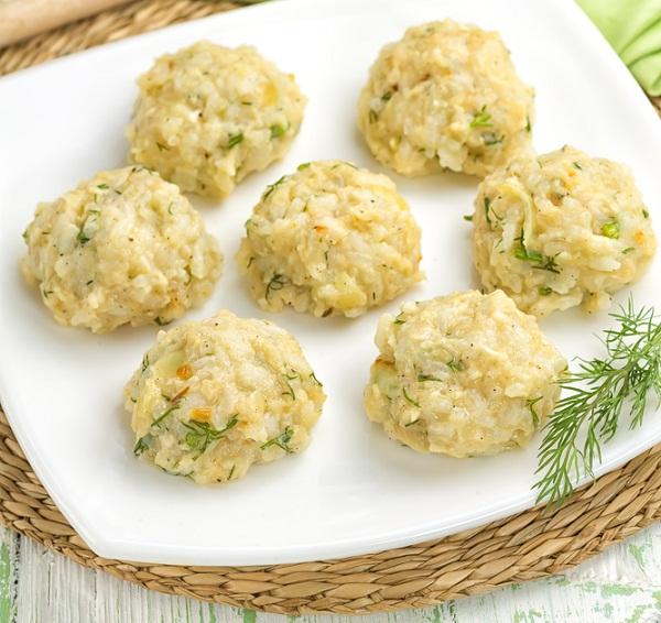 Chiftele de pui cu orez